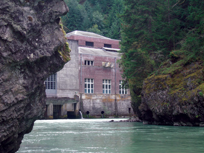 The original LaGrande powerhouse still stands 100 years after it went online and currently provides a capacity of 64 MW.