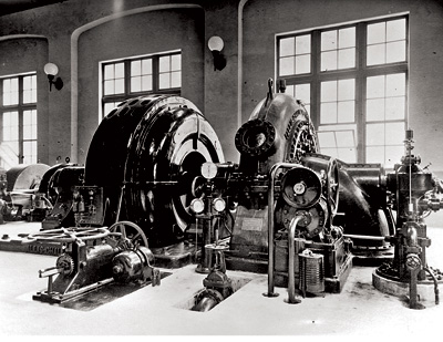 The LaGrande powerhouse, shown here in 1912, was the first publicly-owned power generation unit in the city of Tacoma, with a capacity of 24 MW at that time.