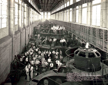 Ohio Falls opened in 1927 with eight 10.4 MW, the seventh largest hydroelectric facility at the nation at the time.