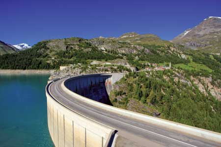Many of the 450 Electricite de France hydroelectric plants, located at dams throughout the country, are being connected to the new centralized monitoring and control centers.