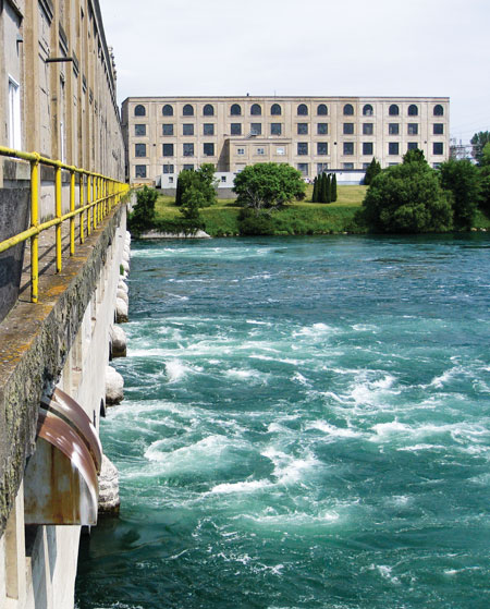 The 17-unit 103-MW Les Cedres hydrolectric facility in Quebec, Canada, which rests on bedrock outcrops, was designed as a function of the site's low head and high flow rate.