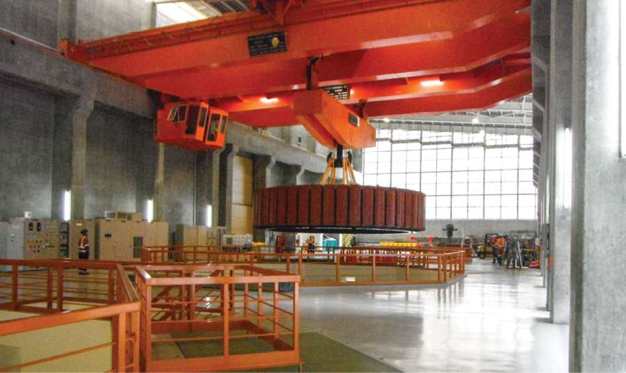 This rotor at the Clyde Power Station is being lifted out, using Dyneema rope, during a stator inspection conducted in 2005.