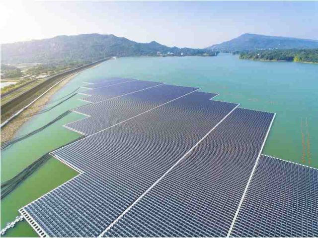 Floating solar industry partners for world's first verified practice